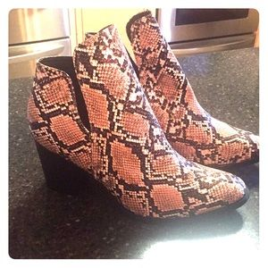 Shoes - Women's snake boots